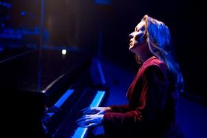 Heidi piano worship